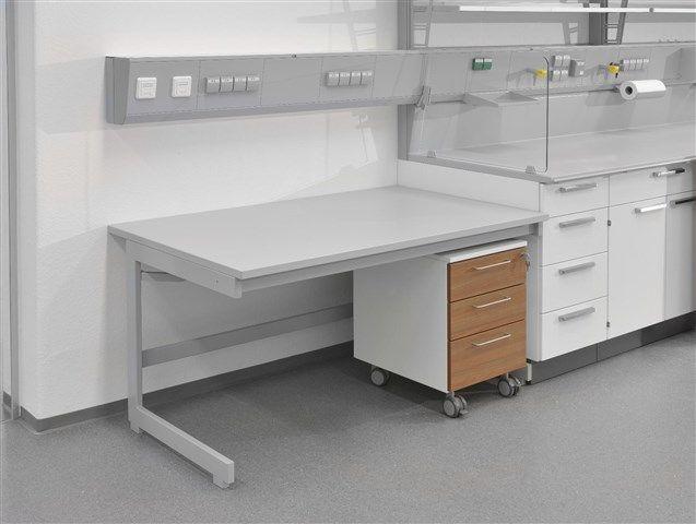 WALDNER - SCALA laboratory benches.