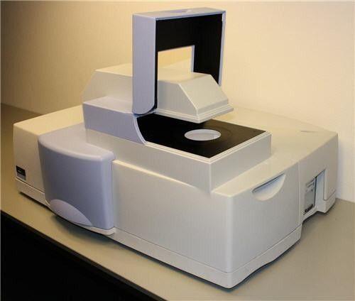 PerkinElmer - LAMBDA 1050 UV/Vis/NIR Spectrophotometer